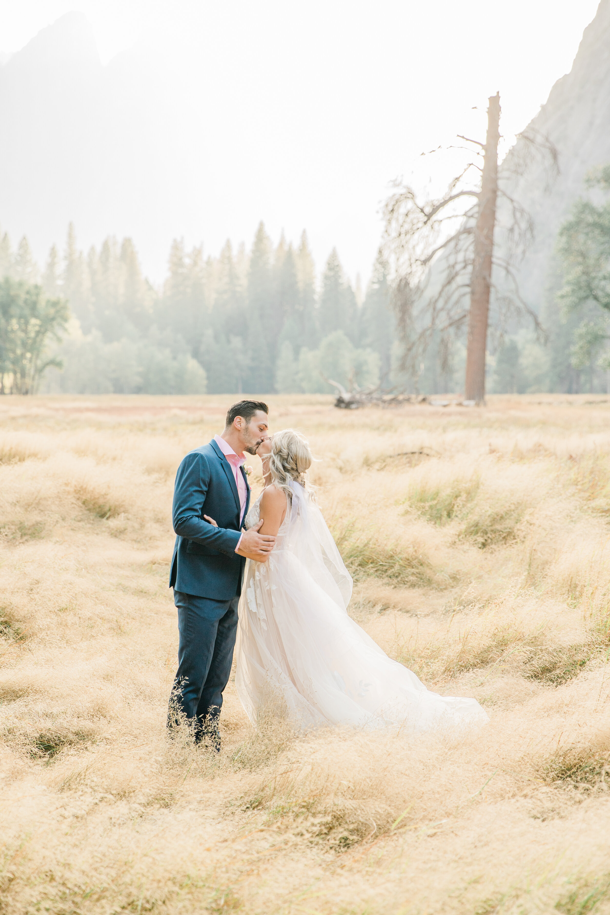 Leanne and Joe - Married - Sneak Peeks - Lauren Alisse Photography-36.jpg