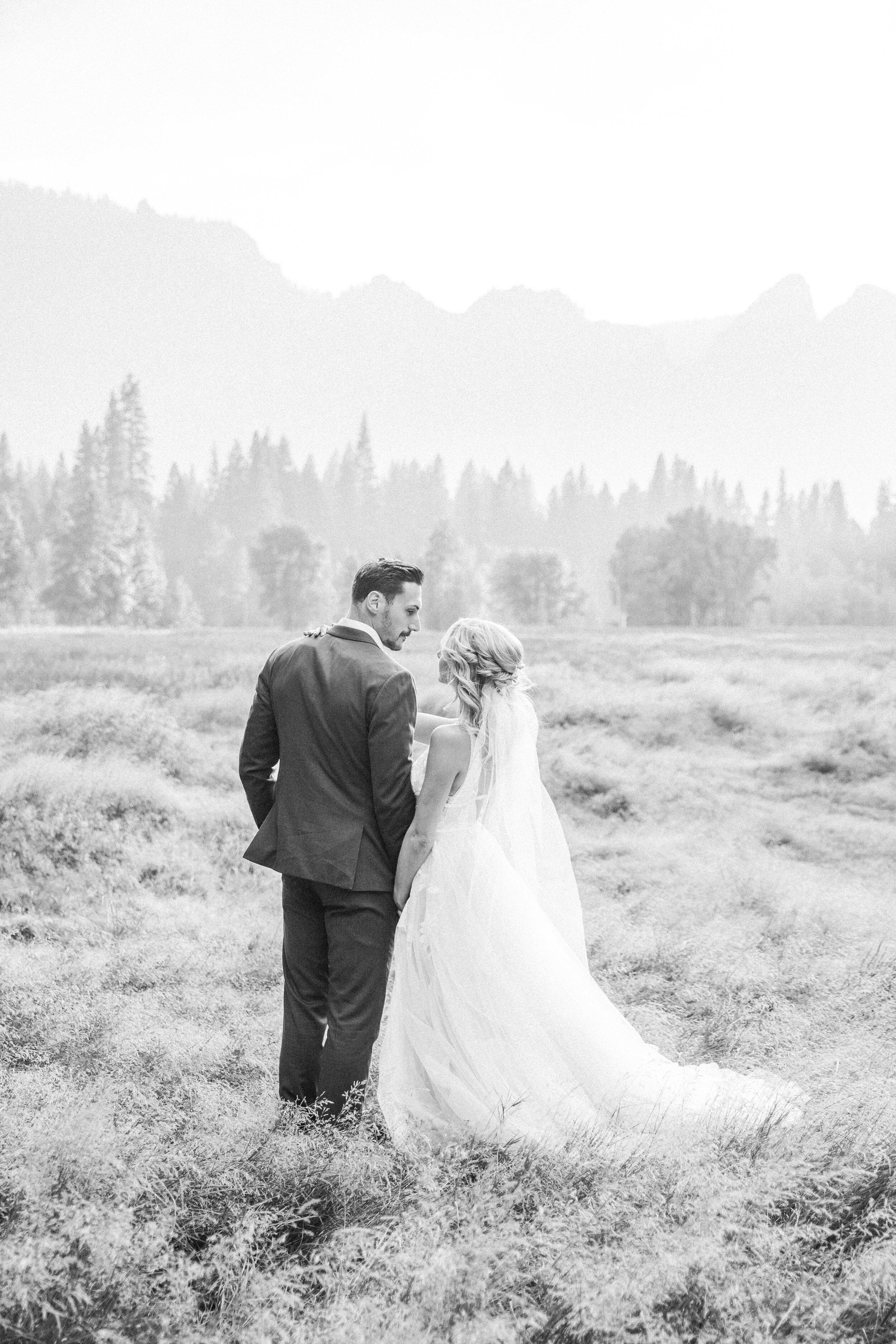 Leanne and Joe - Married - Sneak Peeks - Lauren Alisse Photography-38.jpg