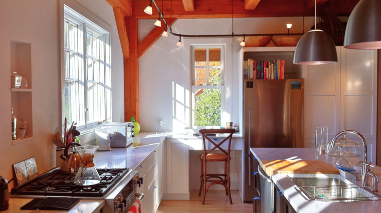 Nice lighting, bright colors, no clutter. Image courtesy of  Tim Matheisen  and  Mathes Hulme Builders