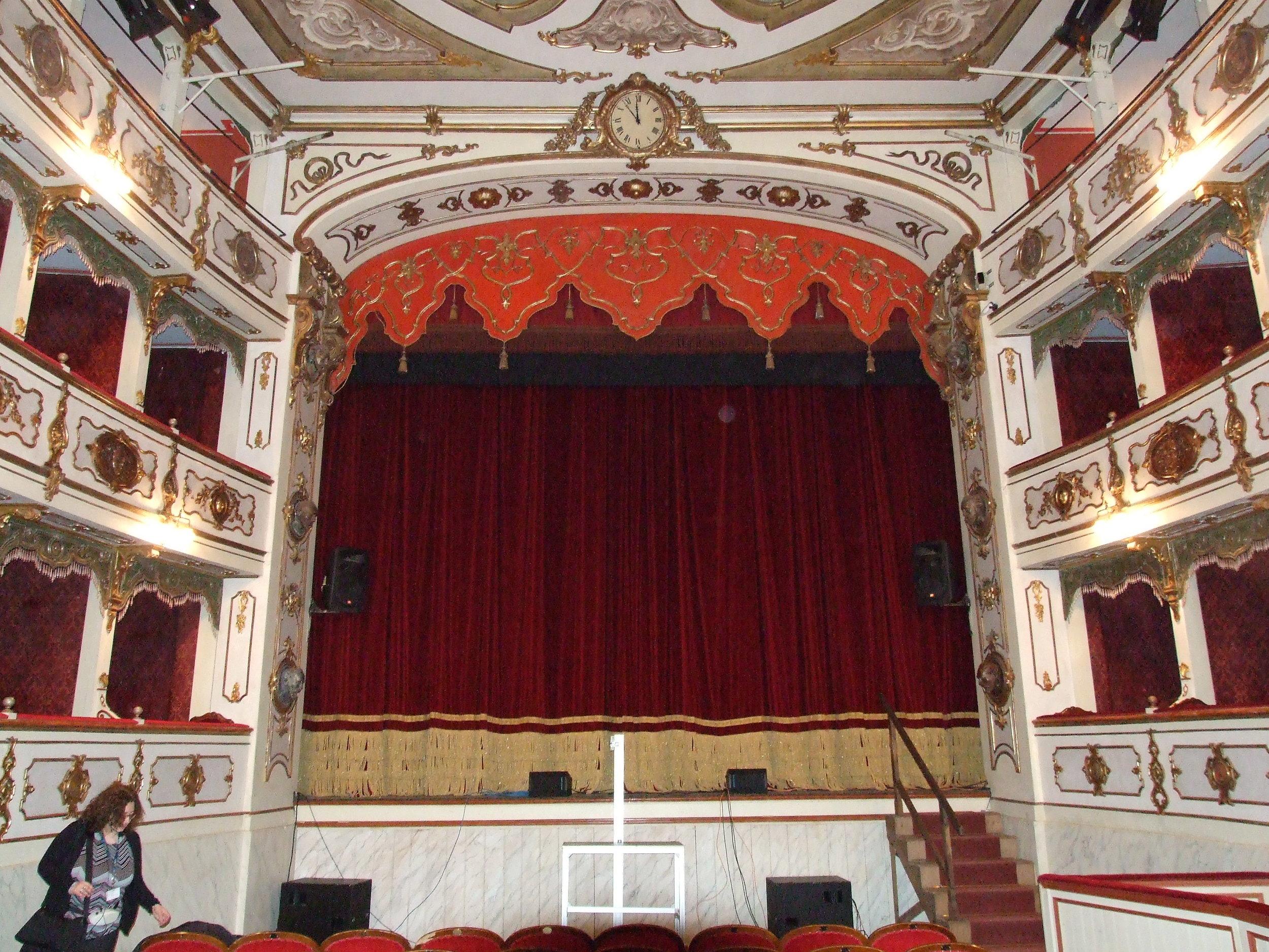 05__Inside Verdi Theatre.JPG