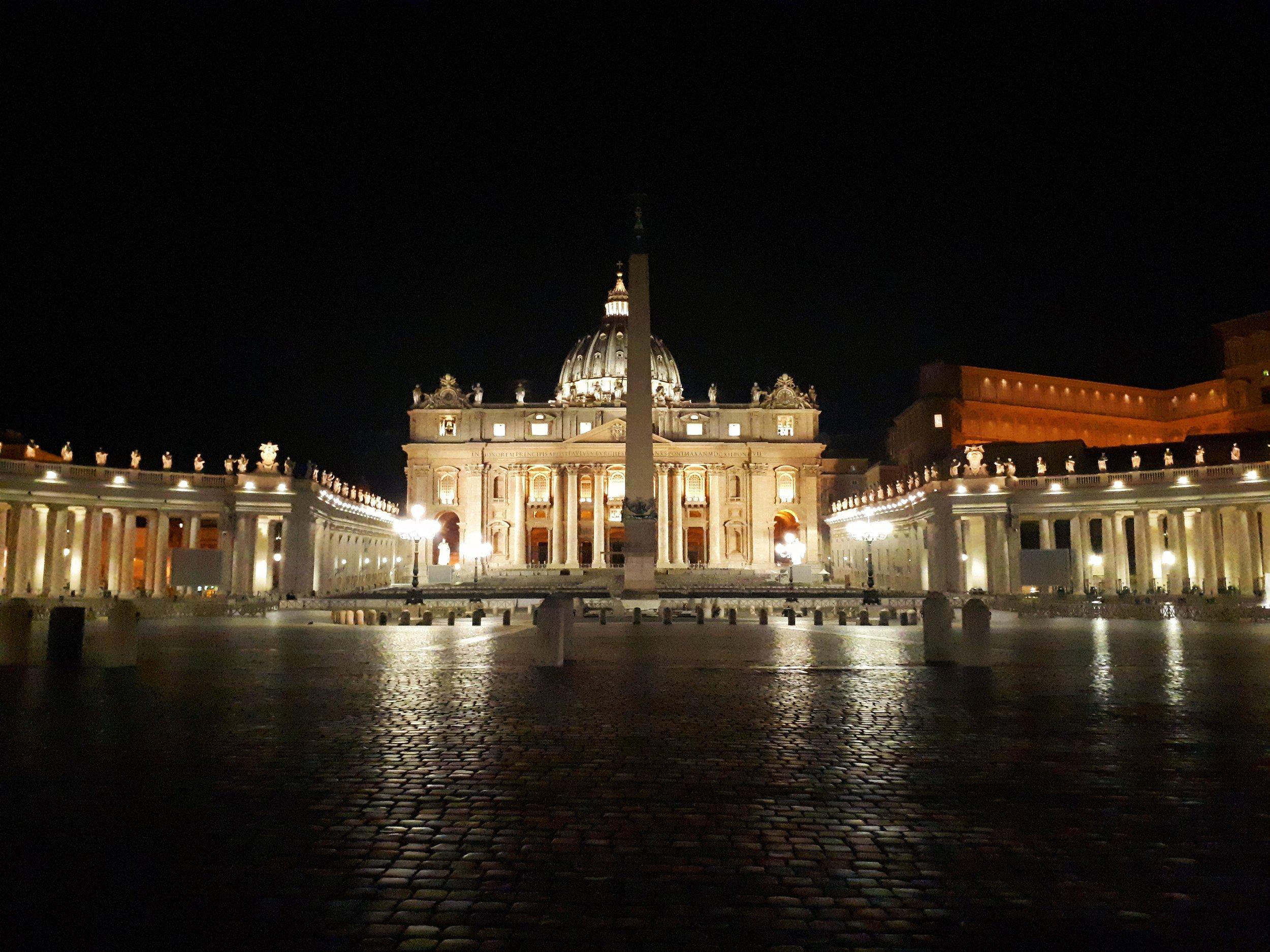 08__San Pietro by night.jpg
