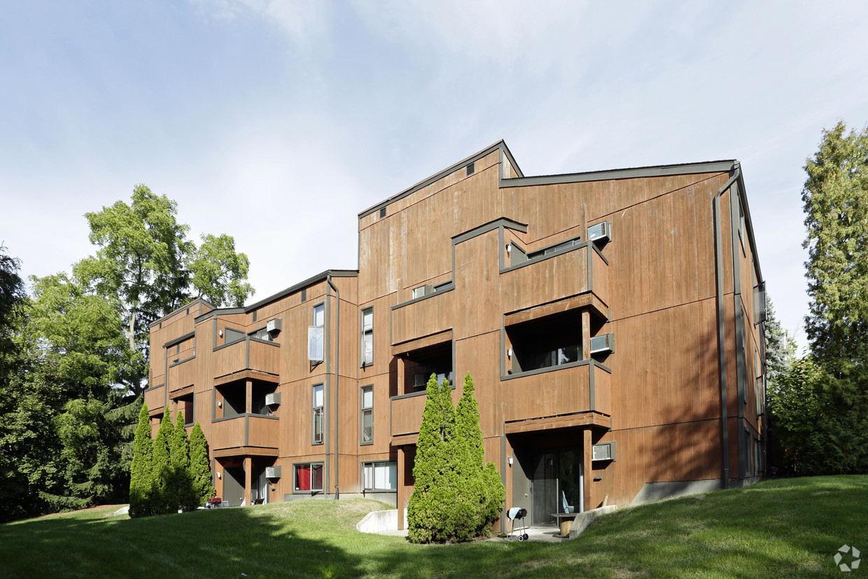 treehouse-north-apartments-east-lansing-mi-building-photo.jpg