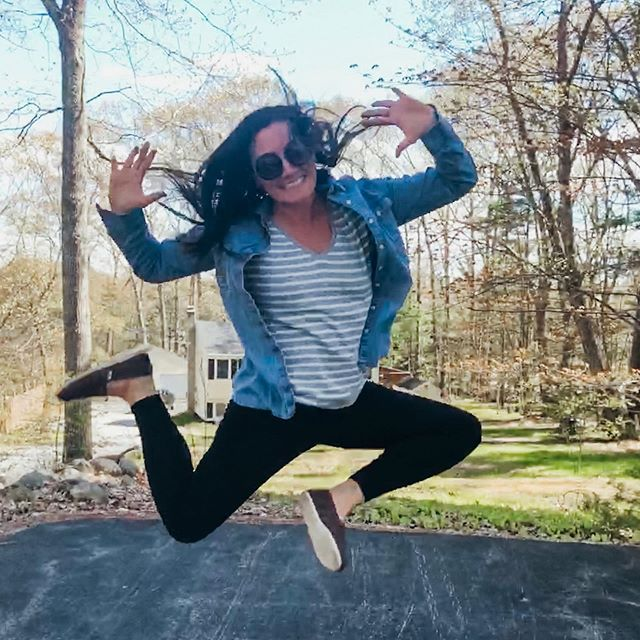 This is your Tuesday reminder to #DOYOU 💁🏻‍♀️ . 💙Eat Plant-Based, paleo, Keto, or processed food for all I care 🤷🏻‍♀️ 💚Go to yoga, Zumba, or CrossFit if that makes YOU happy 🏃🏻‍♀️ 💛Practice self-care, dive into all the #woohoo or DON'T... idgaf 🔮 . Basically what I'm saying is there's a whole world of options out there, especially in this wellness industry. It can feel extremely overwhelming and like you're either missing out on something or not doing the RIGHT thing. . But what I've learned over time is that only YOU know what is right & good for you. It's time to experiment & listen to your intuition. . ✨DO YOU, unapologetically!✨ . This year, 'do you' has become my life motto. And although it's extremely uncomfortable at times & self-doubt still arises, I'm feeling more empowered & like MYSELF every single day. . So while I look like a complete crazy person or happy child in this photo, I'm posting it because it's ME. . SHARE this post in your stories if you're feeling it & tell me 1 thing that you're doing because it's YOU and you're done giving an F what others think 💃🏻
