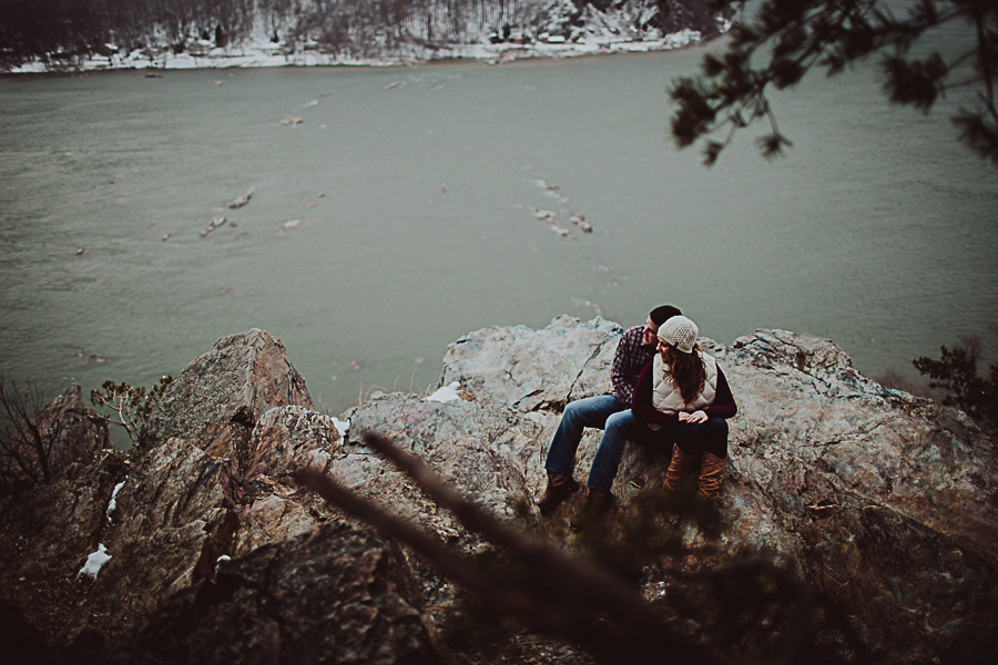 Cambria_Creative_Columbia_Overlook_Engagement_Photography-1556.jpg