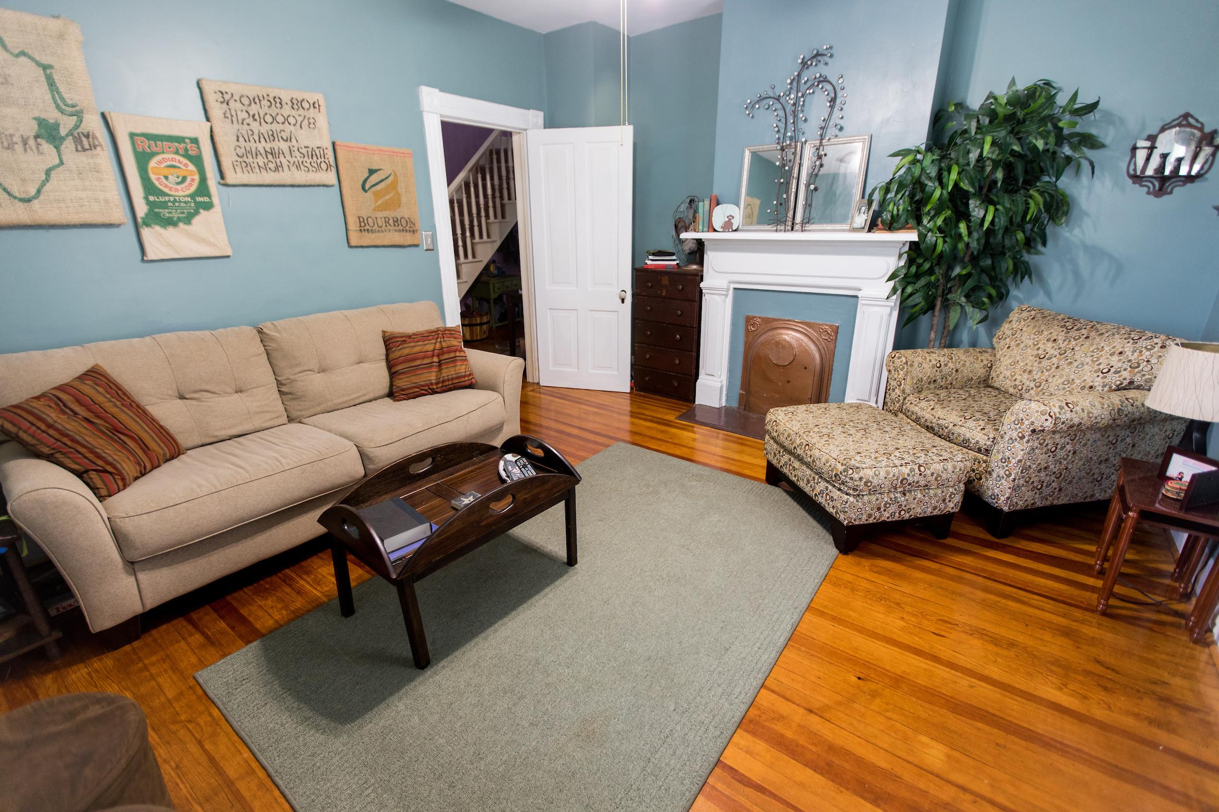Waugh house 208 F St 015.jpg