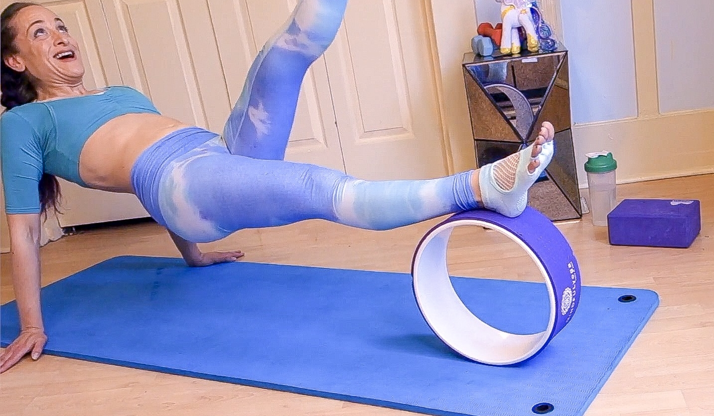 Reverse Plank Kick with the Wheel