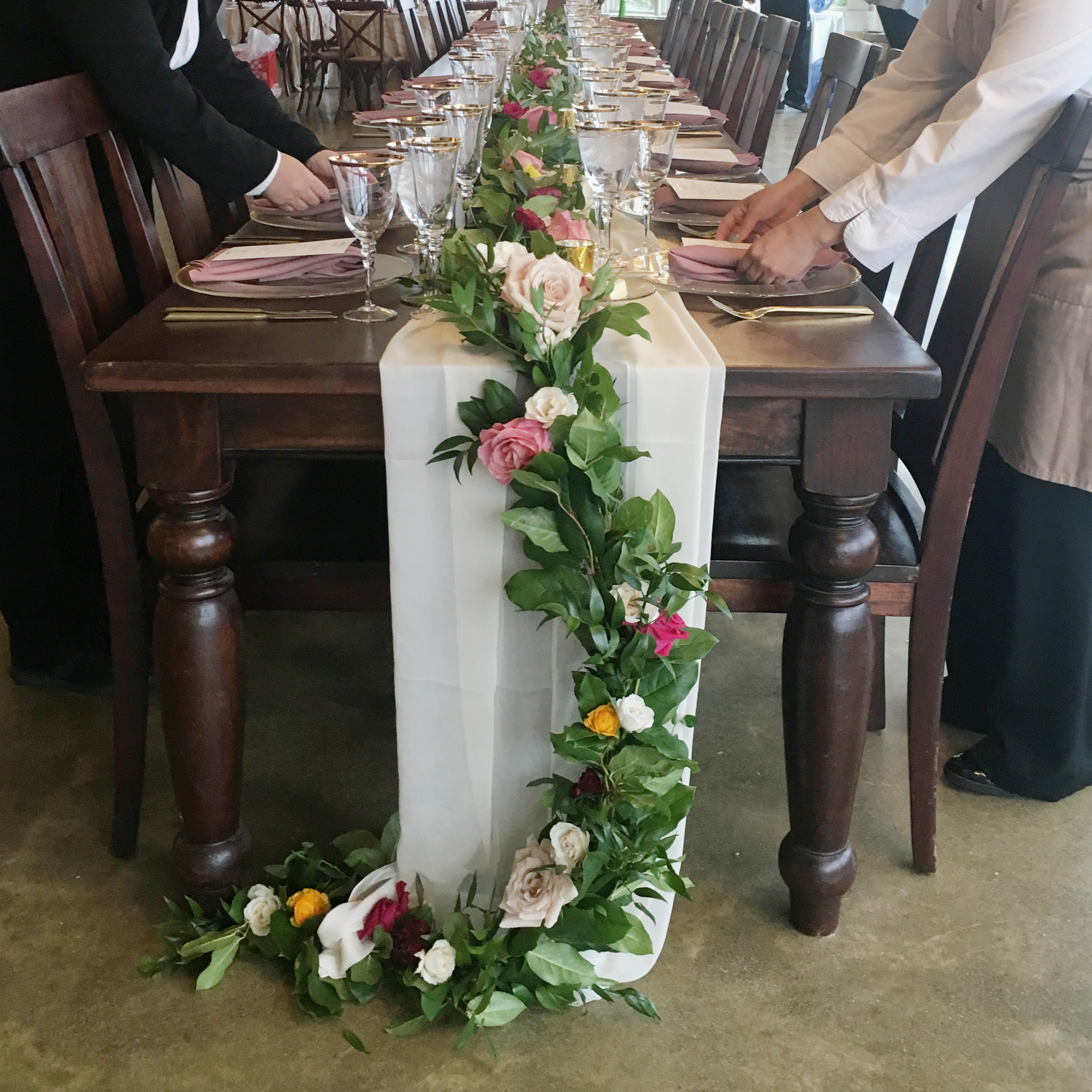 Head Table Garland