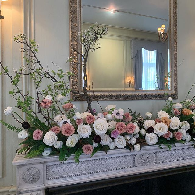 Yesterday's mantle made as part of team @darlinganddaughters . . . . #mantlepiece #foragedbranches #floweringbranches #acreativedc  #dcflorist #darlinganddaughters #meridianhouse #dcwedding #freelancefloraldesigner