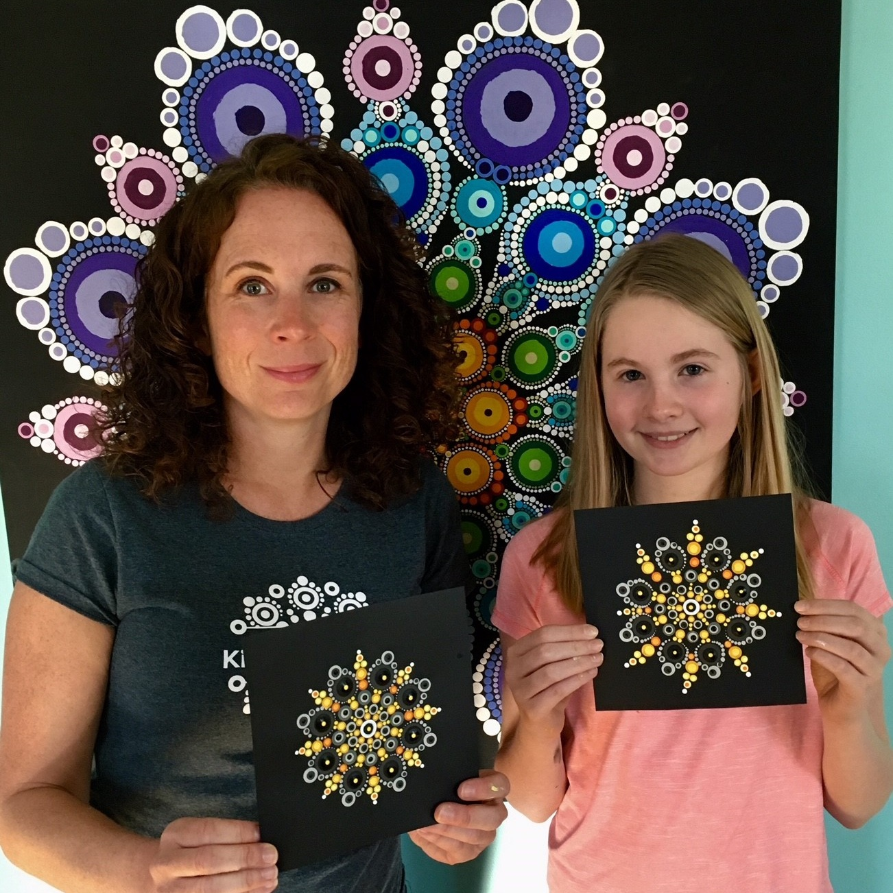 Benefits to participants - There are numerous benefits an individual may experience when creating art and mandalas and through experiencing a greater connection to others in Otauna's programs.For a list, visit our Healing Benefits page.