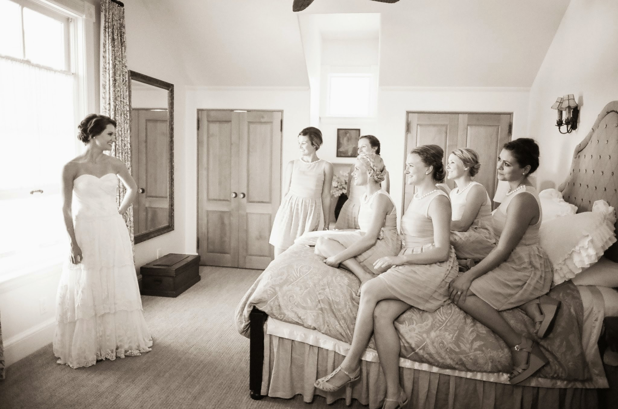 www.felicievents.com | Felici Events | Historical Museum Wedding | Eclectic Orange Wedding | Bride Getting Ready