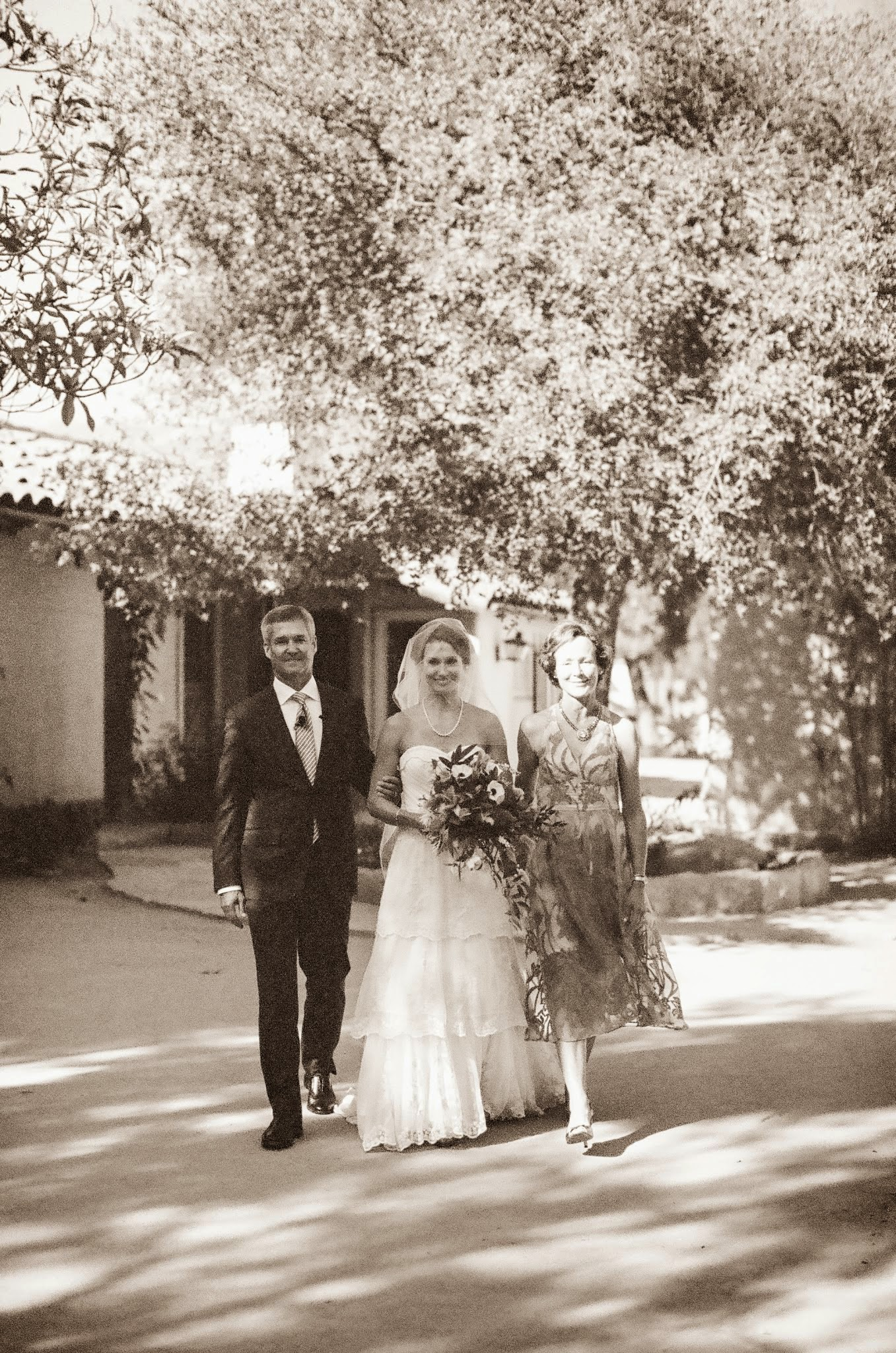 www.felicievents.com | Felici Events | Historical Museum Wedding | Eclectic Orange Wedding | Bride Walking Down Aisle