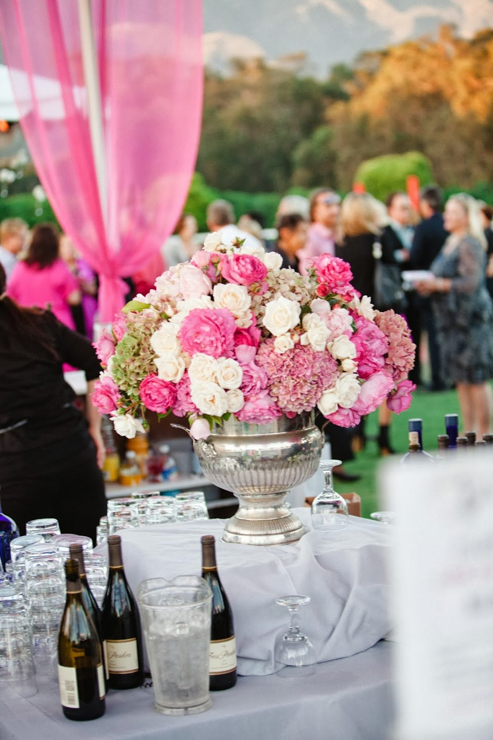 www.FeliciEvents | Pink Polo Party | Funraising Event | Felici Fundraiser | Polo Theme | Clarissa Koenig Photography | Wine Station
