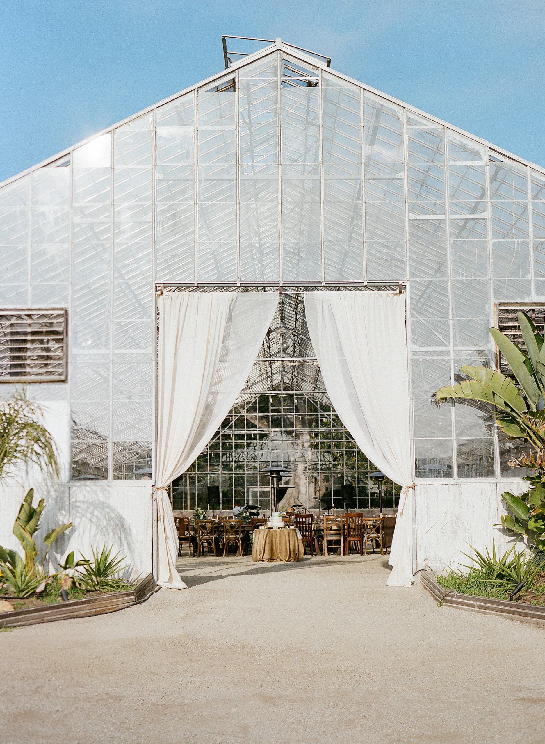Felici Events | Gaviota Coast | Wedding Ceremony | Oceanfront | Santa Barbara | Clarissa Koenig Photographer | #FeliciWedding | Orchid Farm | Wedding Reception