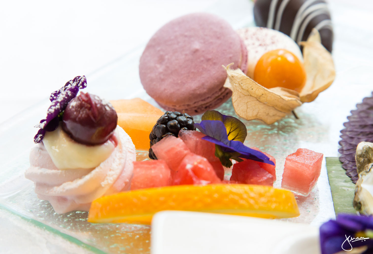 """ Sakura! Sakura! Tea "" Pavlova,TWG Tea Macaron,"" Tokyo-Singapore Tea "" Cheesecake,White and Dark Chocolate Dipped Strawberry &Mélange of Fresh Fruit"