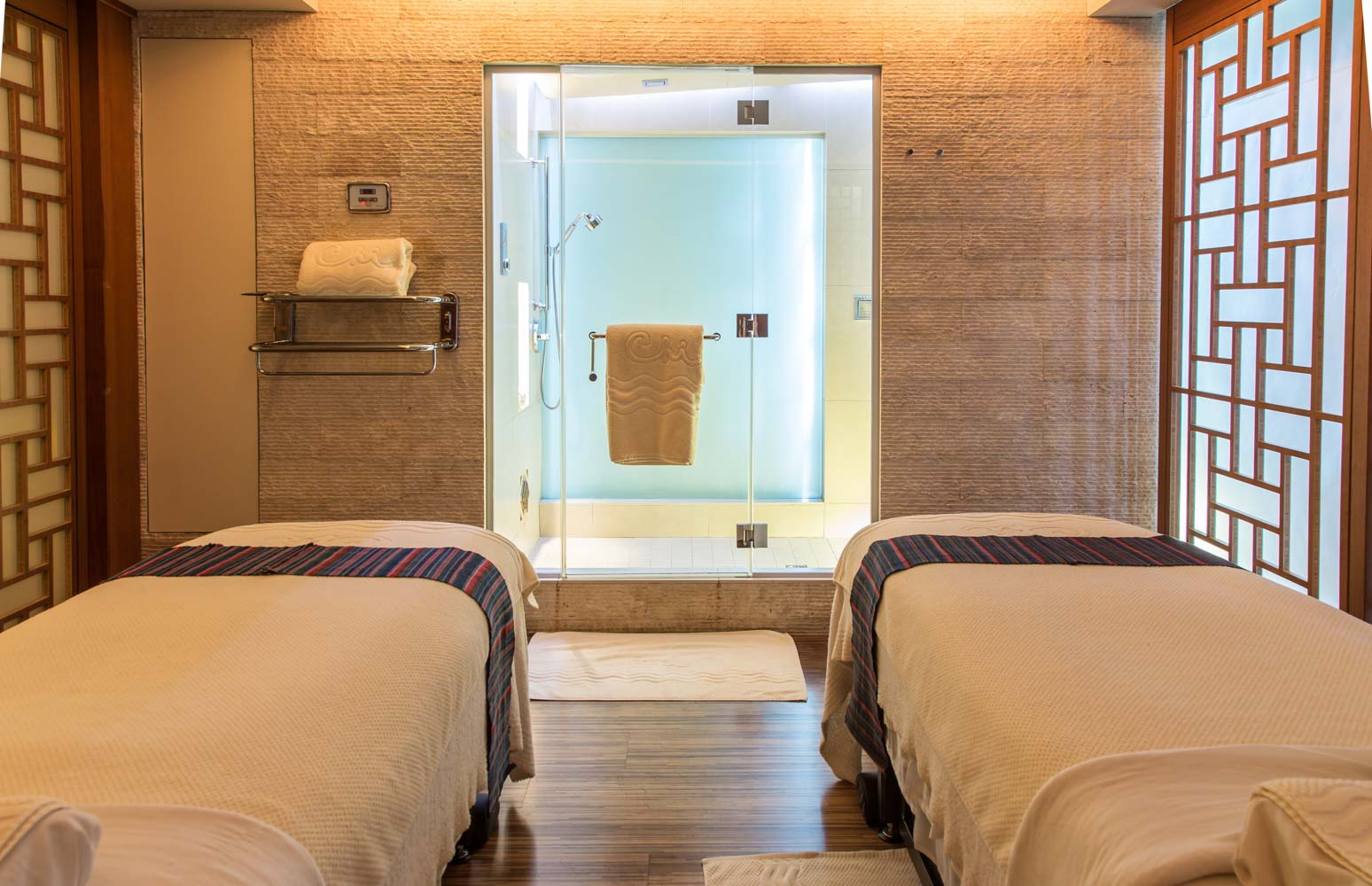 Couples Massage room with Sauna