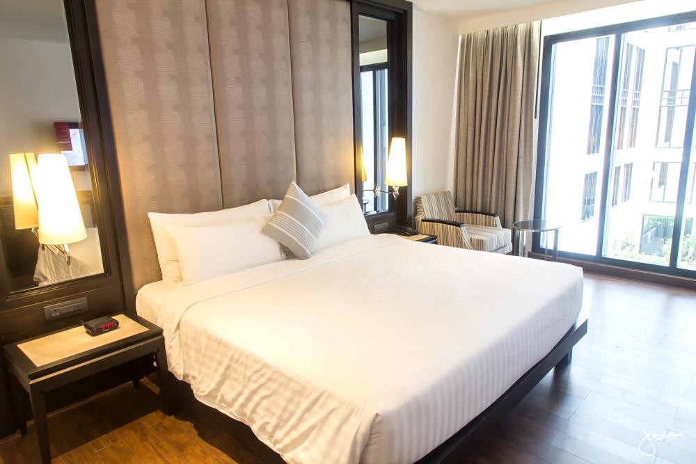 Movenpick Bangkok Room