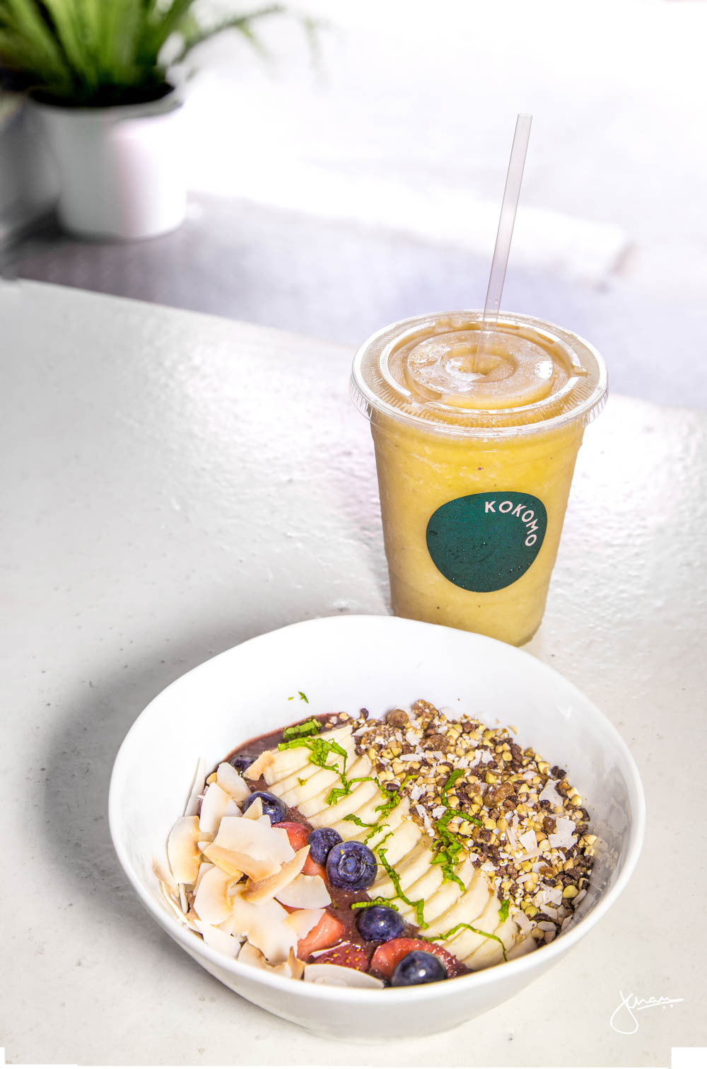 Acai Bowl with Orange Dream Smoothie