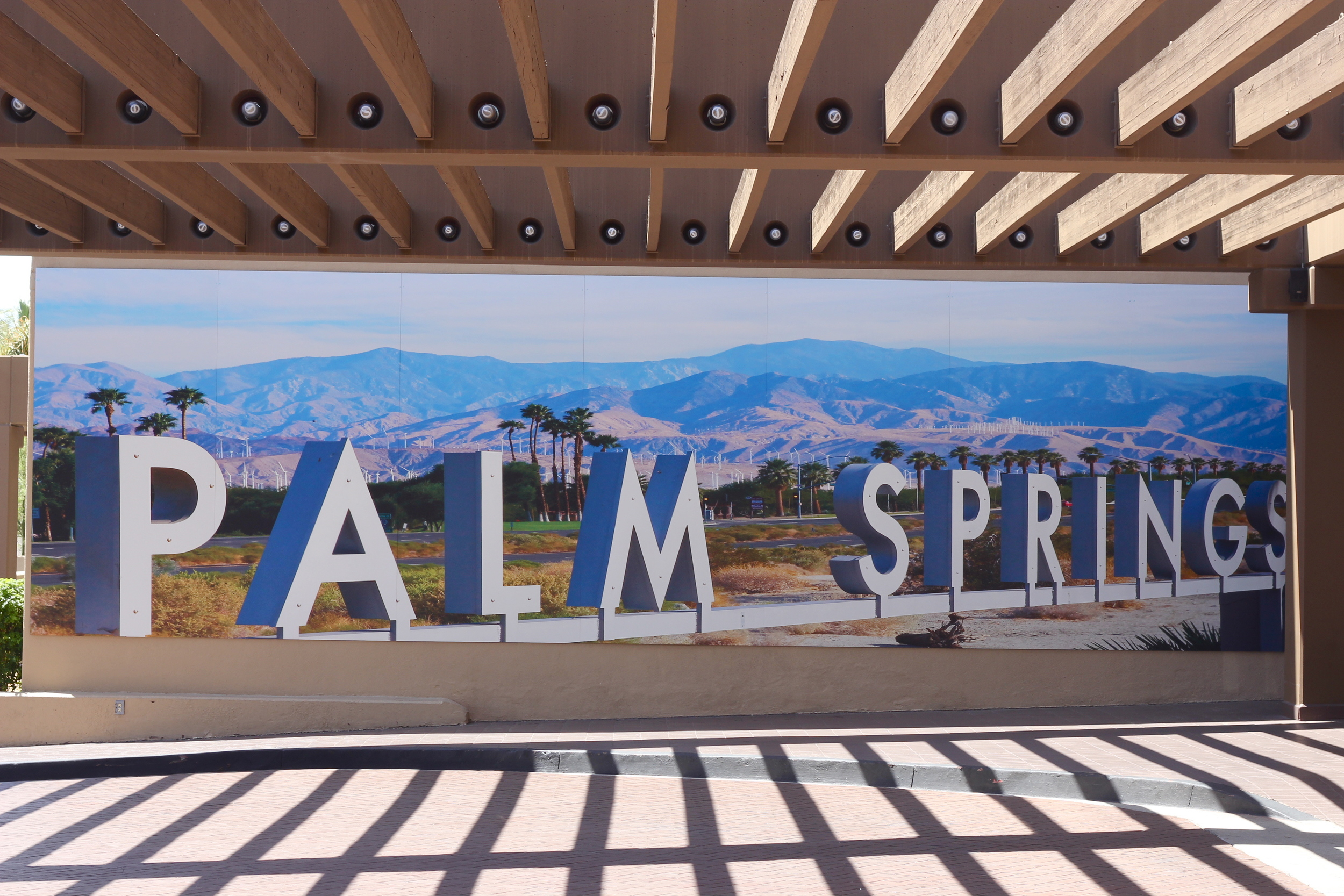 hyatt-palm-springs-mural.jpg