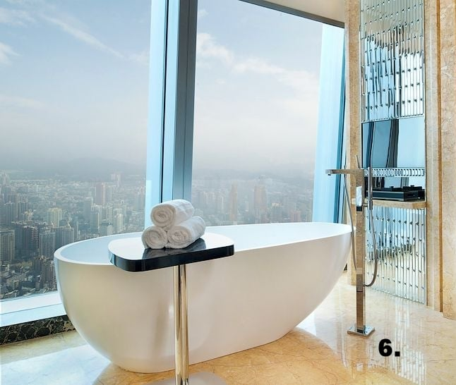 009912-17-Executive-Deluxe-Bathroom.jpg