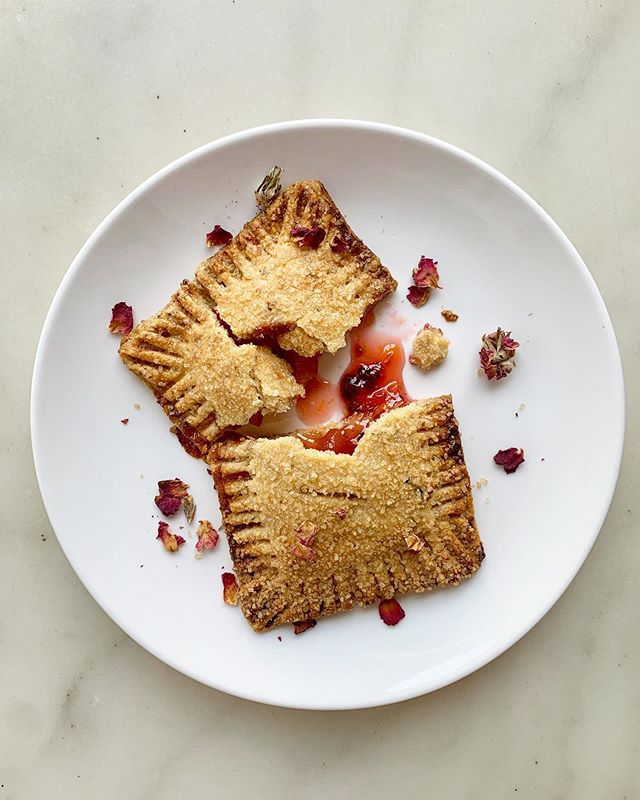 peach jam & berry filled vegan rose cornmeal pop tarts @smithcanteen 🍑🌹 come get em while their hot n crispy like me in this 90 degree nonsense #smithcanteen