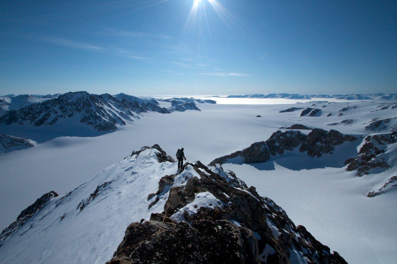 Climbing the summit ridge of Longridge Peak