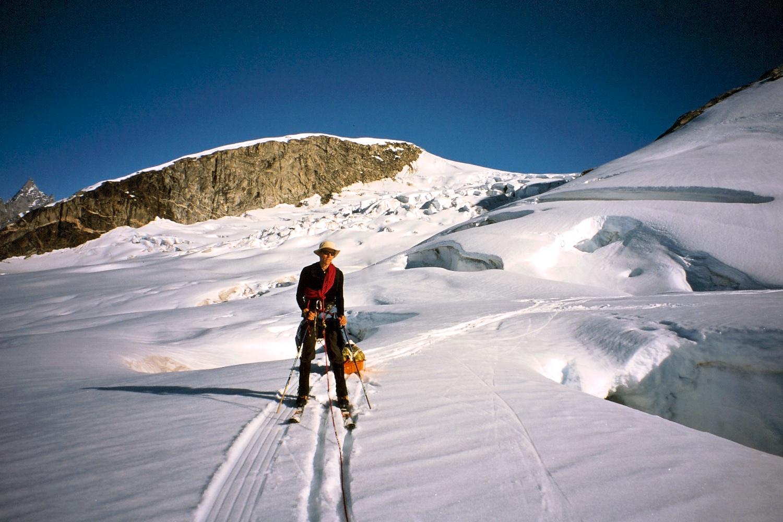 Negotiating crevasses as we approach the Kaarali Glacier