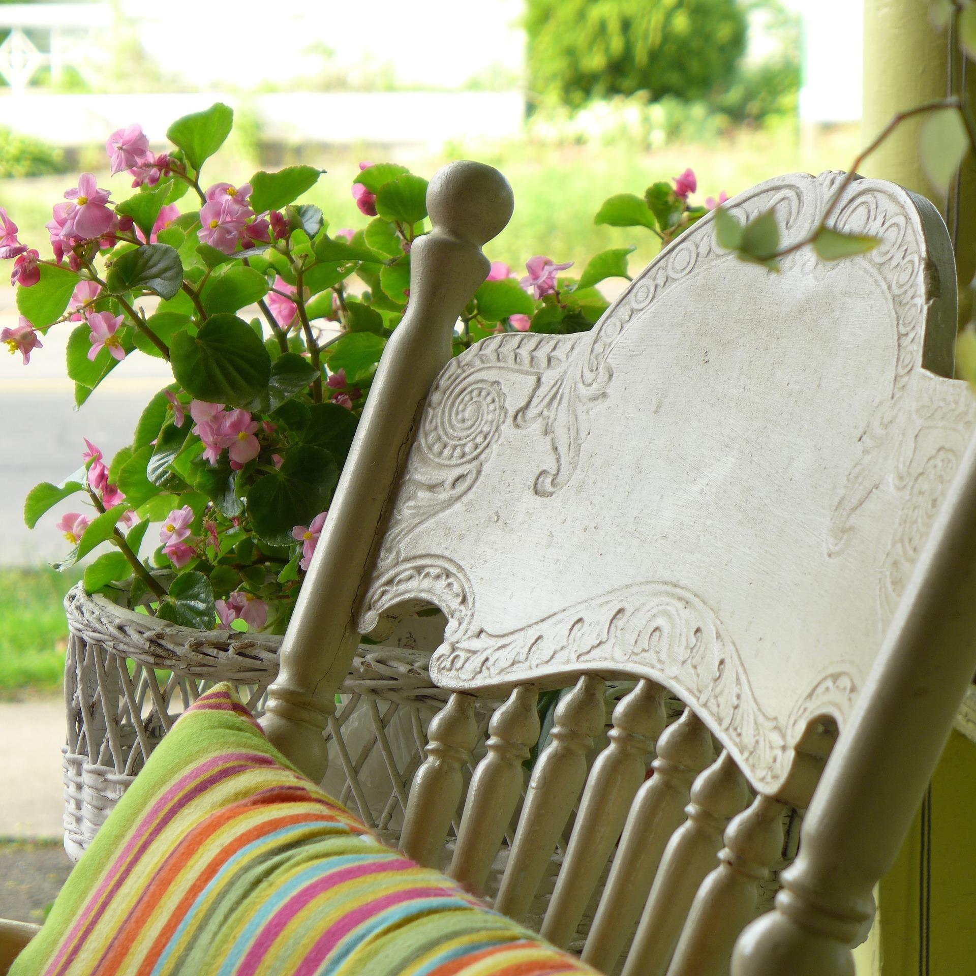 porch-1243631_1920.jpg