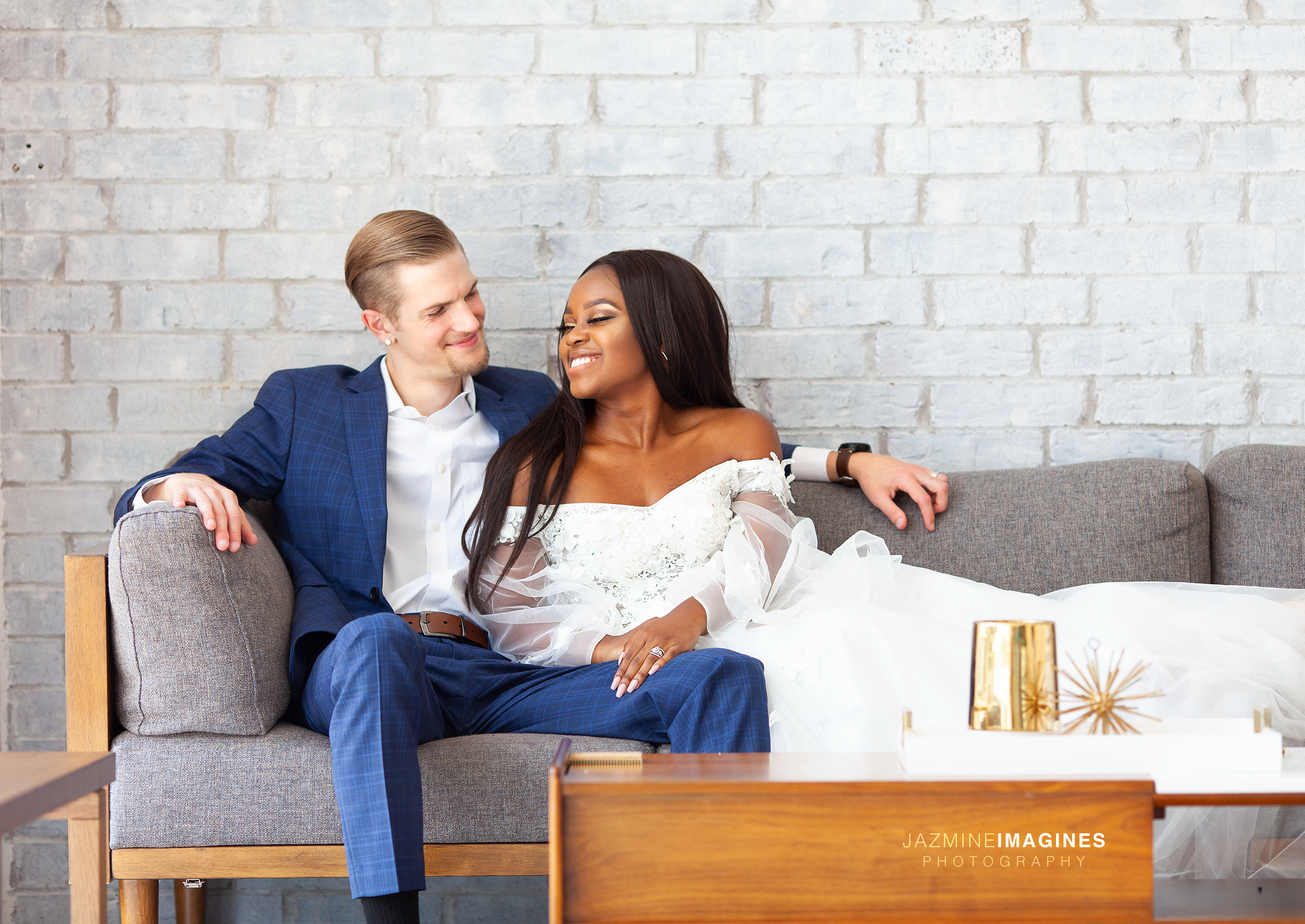 Donut_Elopement_Styled_Photoshoot.png