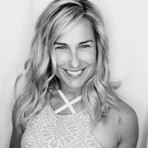 Jennifer Ferguson - Handful, CEO    Handful takes activewear to the next level. Designed by women for women, they created a set of activewear that doubles as everyday attire while supporting cancer awareness and prevention.