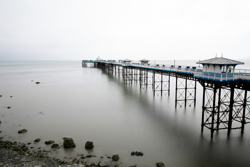 Shutter speed 30 sec: the sea has been blurred by capturing the ebb and flow of the water over half a minute