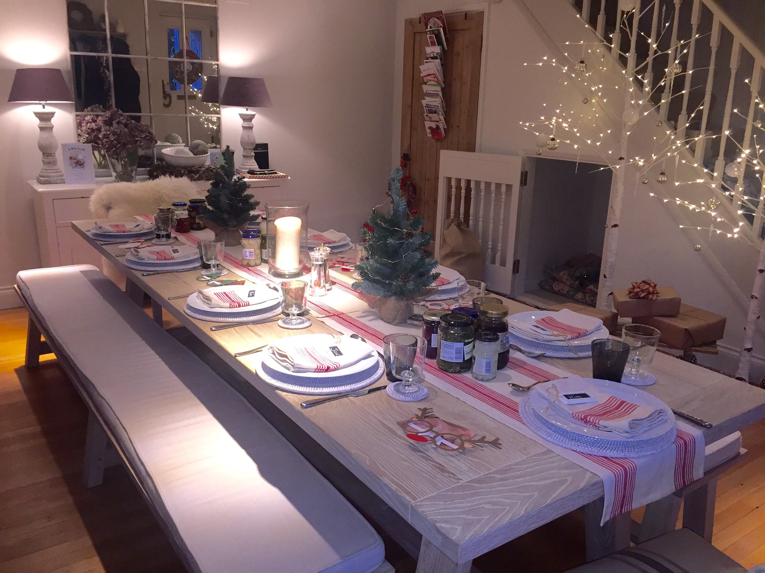 Boxing day table ready to go. Food wise it's my favourite day of the year, cold meats, mashed potato and pickles, absolute heaven.