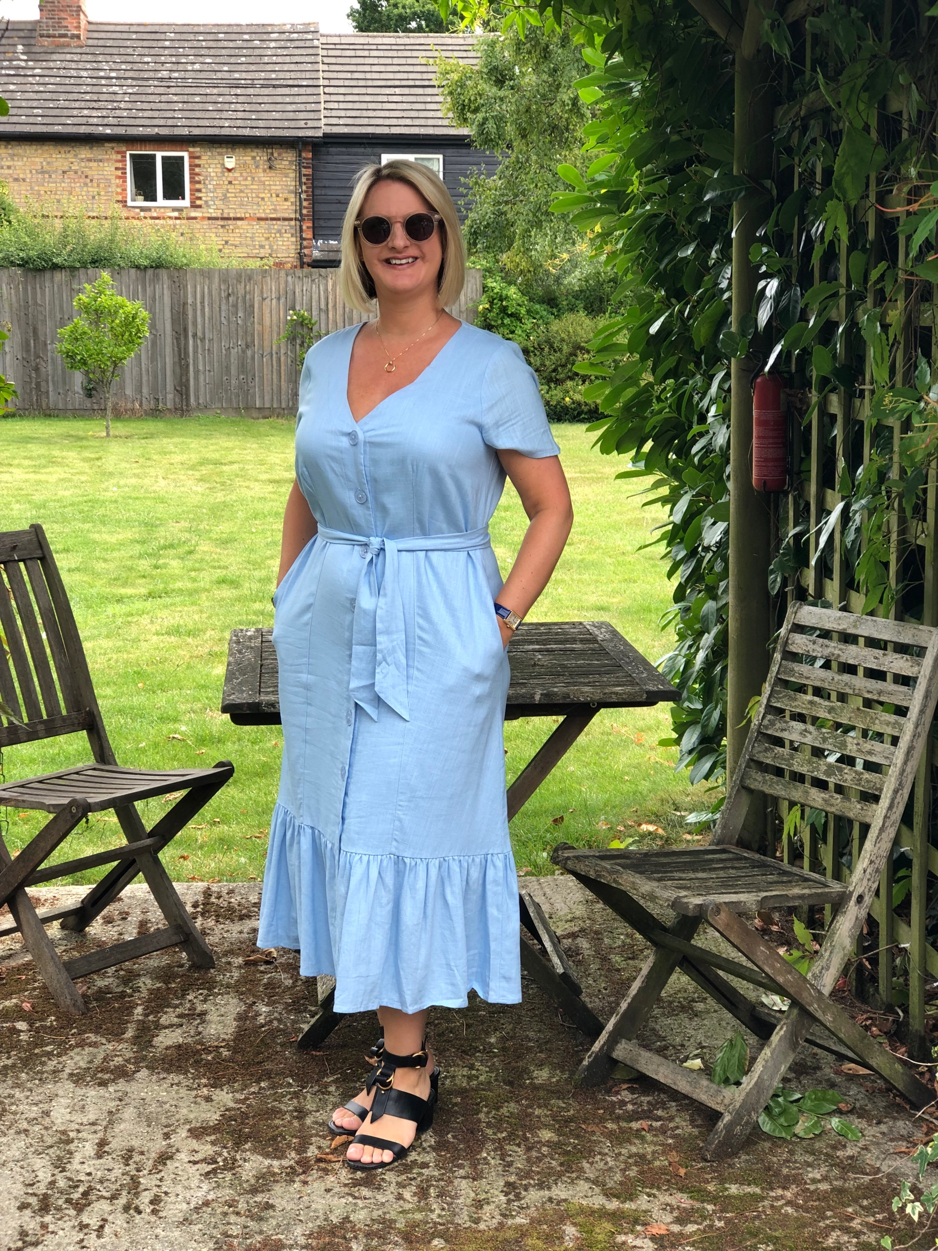 I bought this dress at Oliver Bonas at Liverpool Street station when I went up to London for a meeting at Bowel and Cancer Research a few weeks ago. I love going in to an Oliver Bonas, it's truly the most wonderfully random shop of all time, but they sell some cracking clothes amongst all the porcelain pugs, note books and drinks trolley's etc.  I bought this dress in white too, it was too tricky to choose which one I loved best and as I was on a short time frame as I was meant to be heading to a meeting I made an executive decision. Hahahahaha