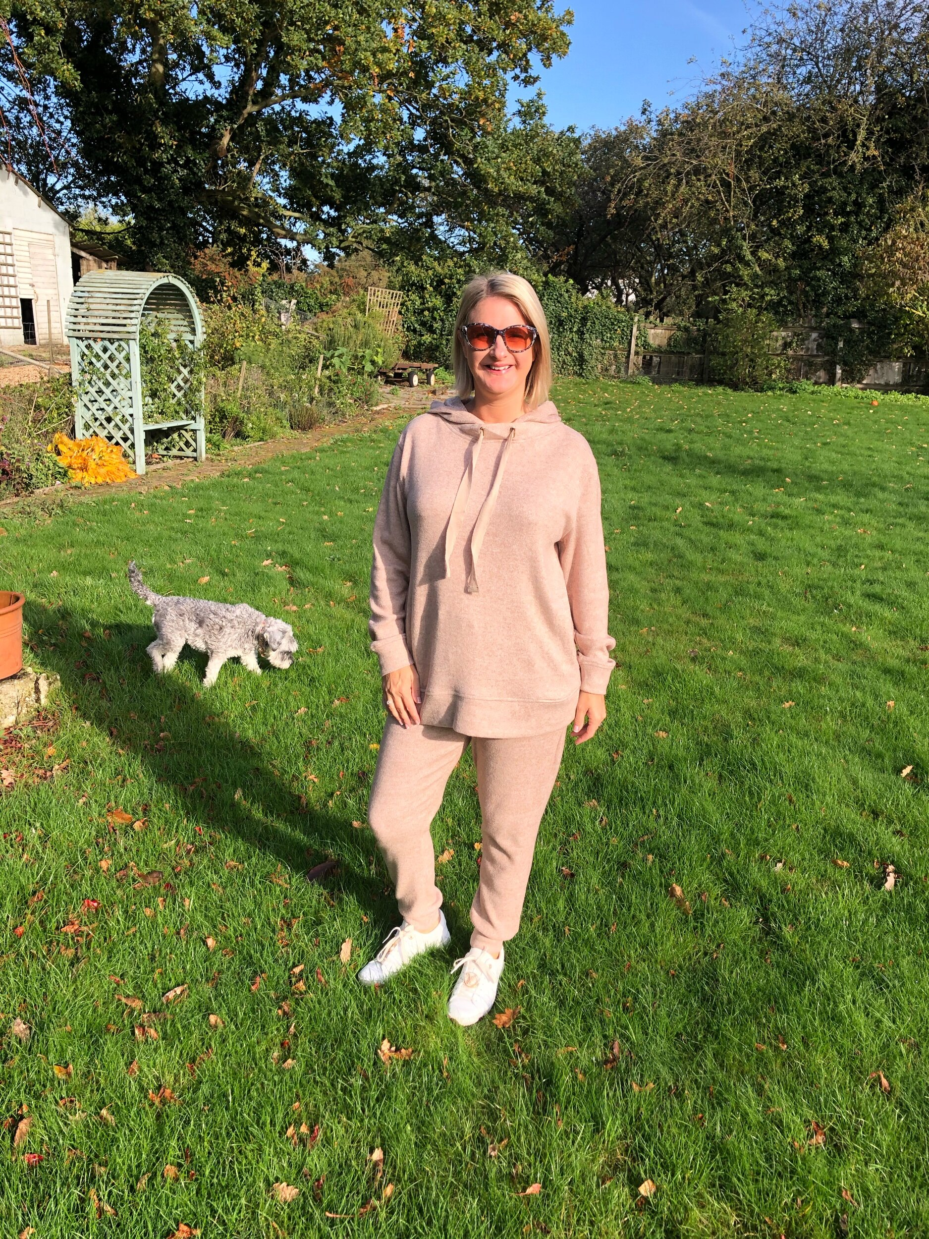 Come on, who doesn't love cosy lounge wear?! Although technically this can no longer be classed as lounge wear as I've been out and about in it loads! Hahahahaha