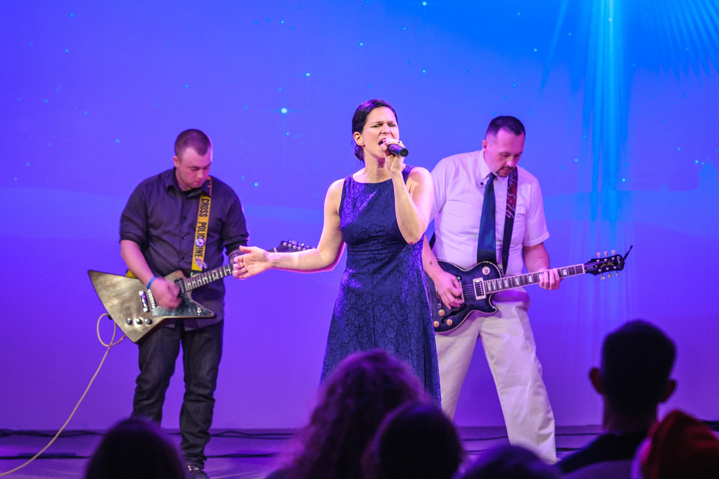 Pic 2 Vicki singing .jpg