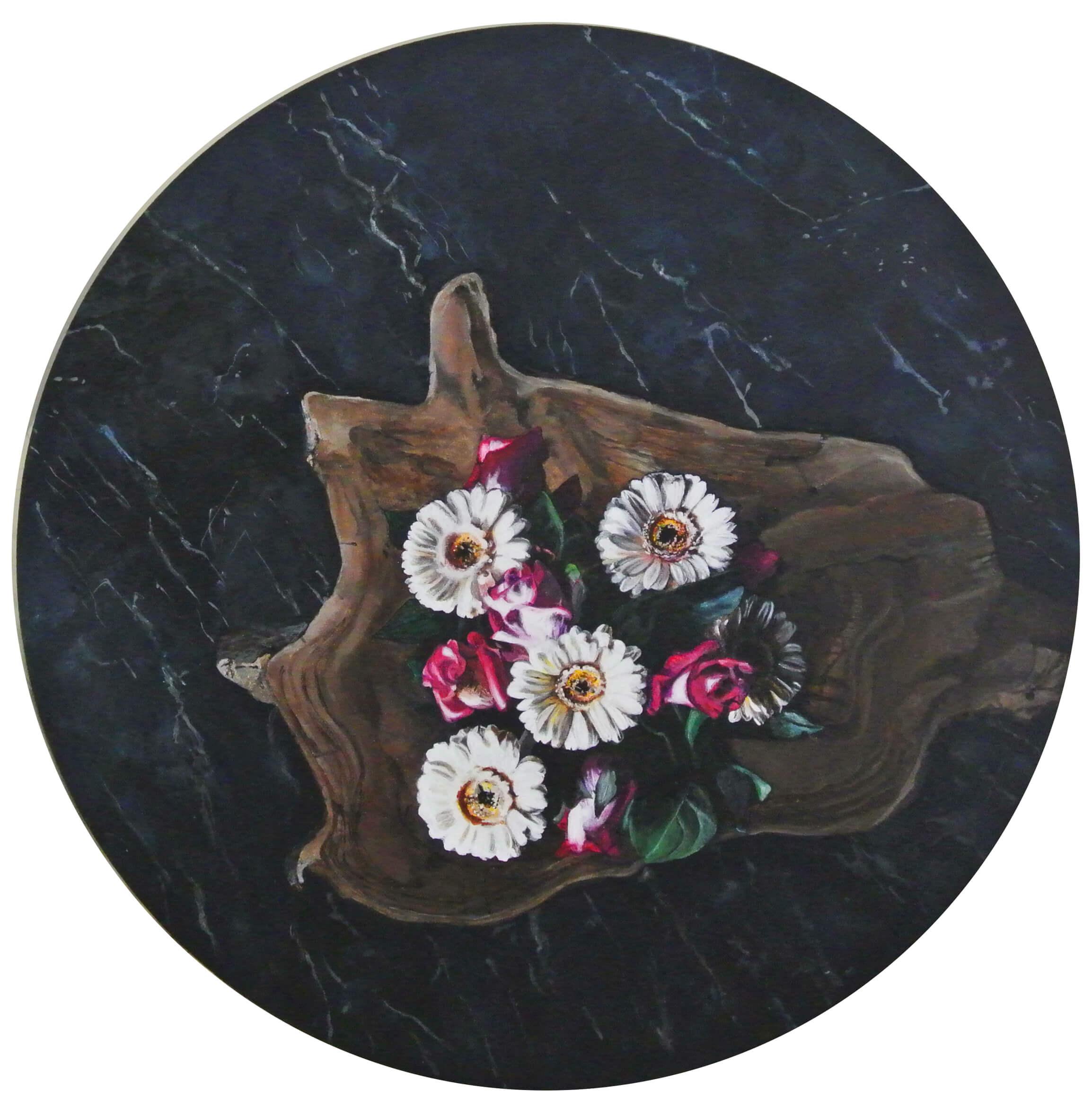 Blumen auf Marmor – Flowers and Plants, Durchm. 50 cm, 2015, © Ute Latzke, 850 Euro.
