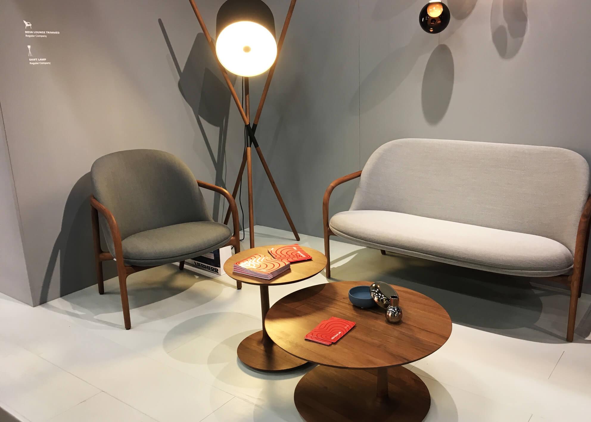 artisan, Neva Lounge Chair und Stehleuchte Shift