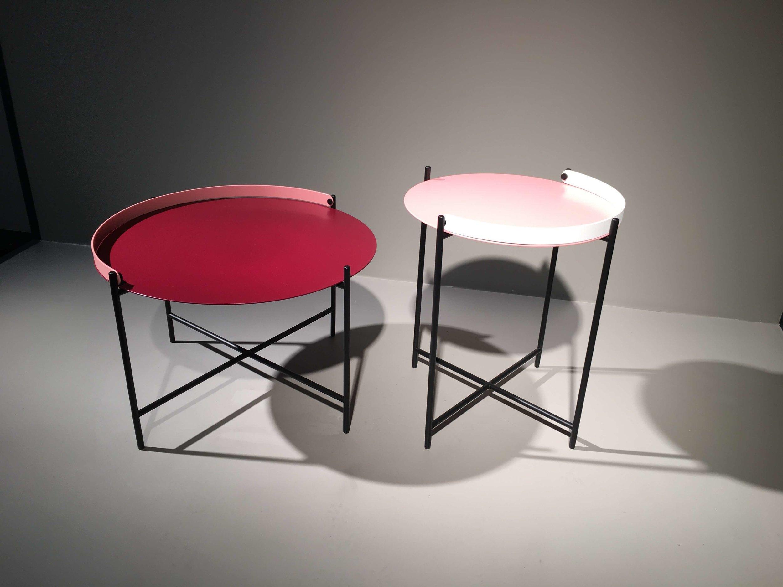 """Edge Table"" von Roee Magdassi."