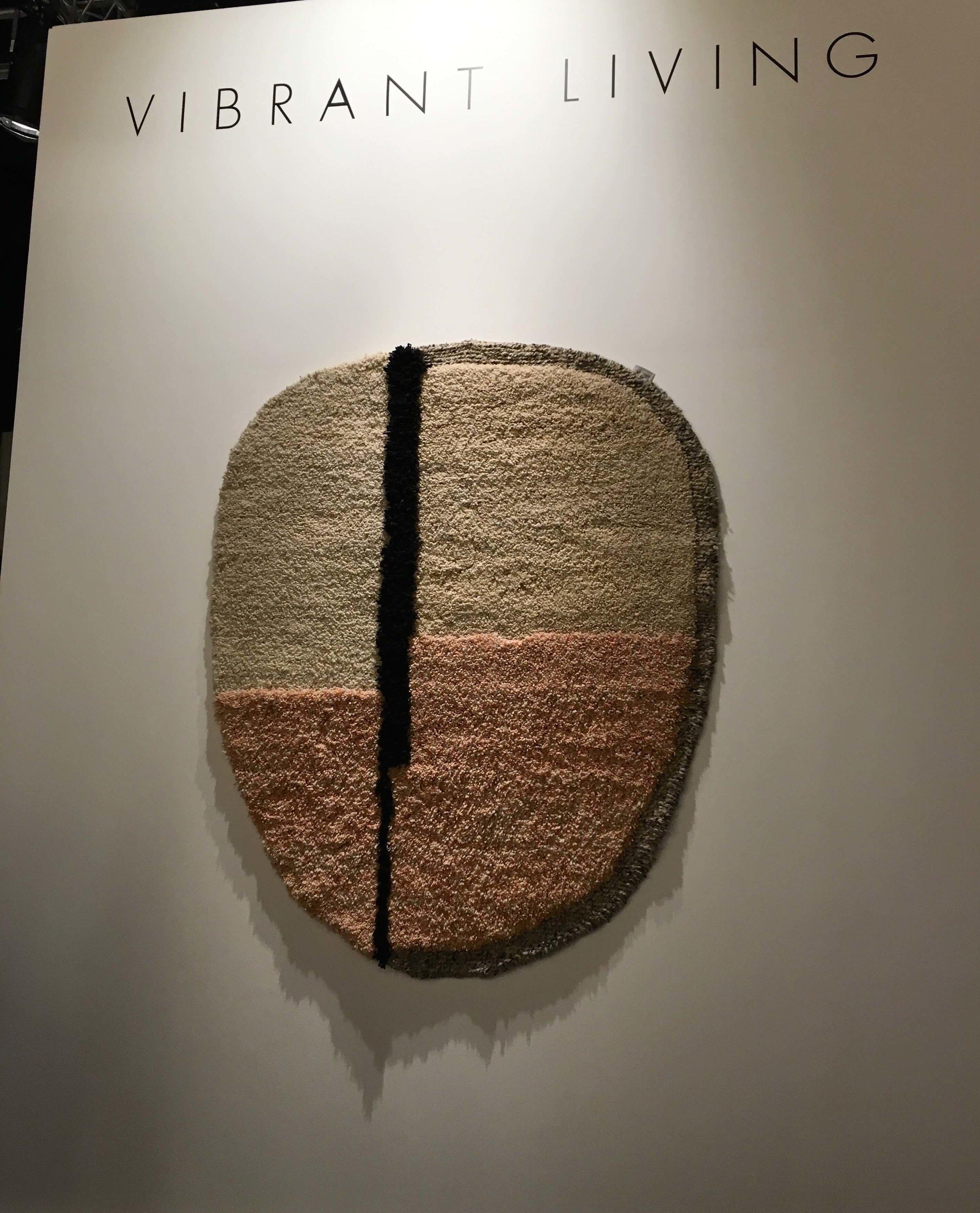 Teppich (oder Bild?) von Vibrant Living, Foto: U. Latzke