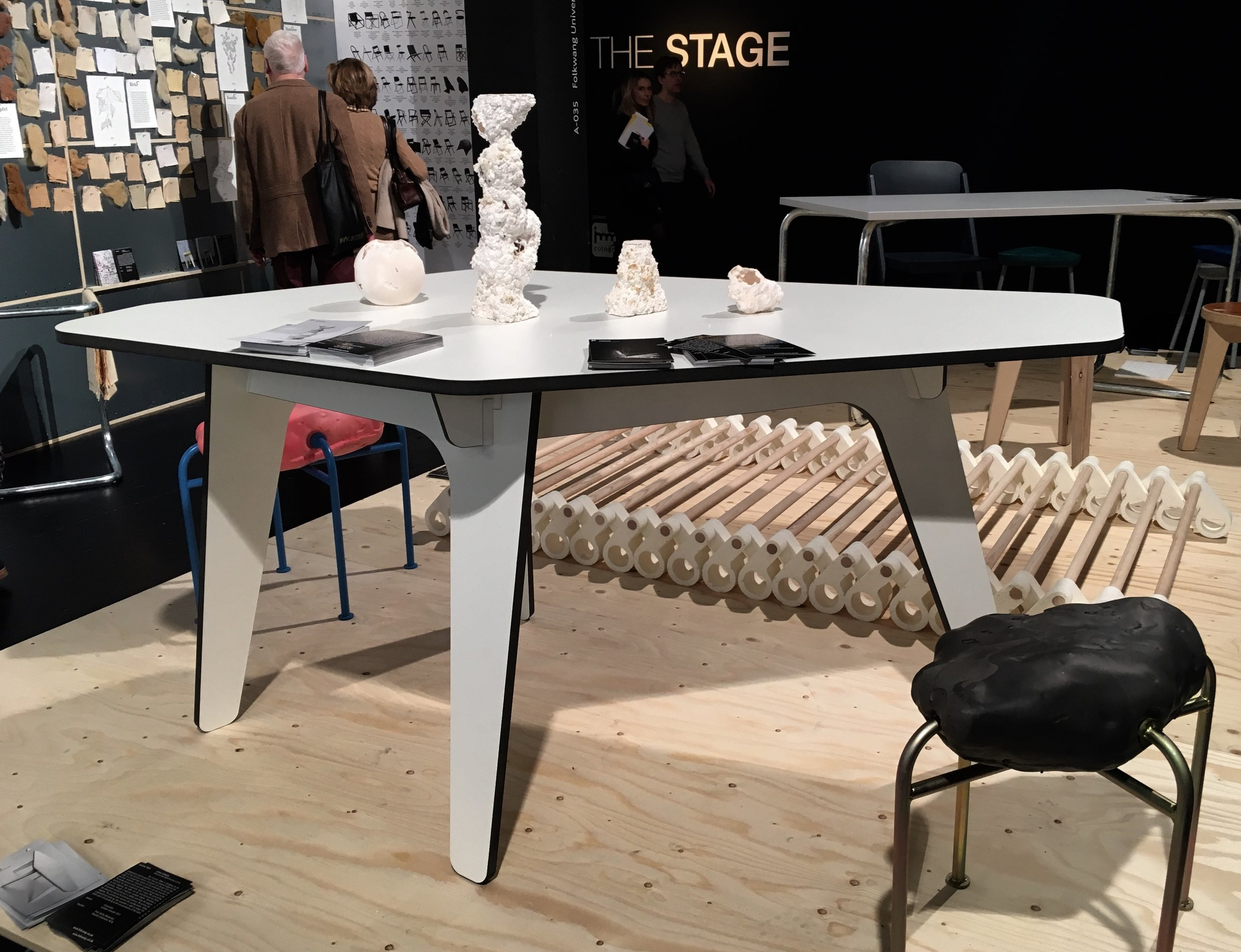 Custom Table, Lukas Lüttgen, Falkwang Universität der Künste, Foto: U. Latzke
