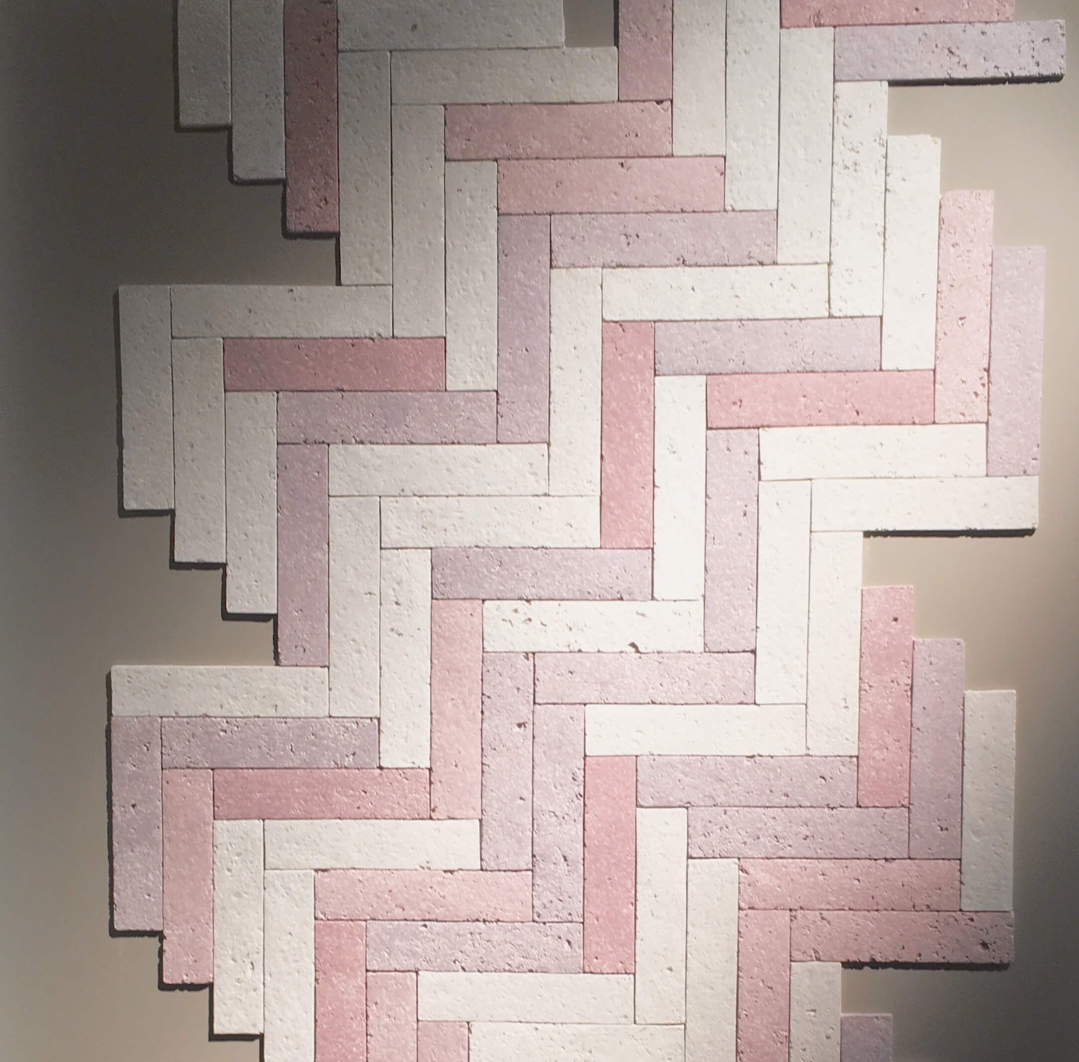 Paper Tiles, Papierrecycling in Verbindung mit Porzellan, Pure Talent Alice Guidi
