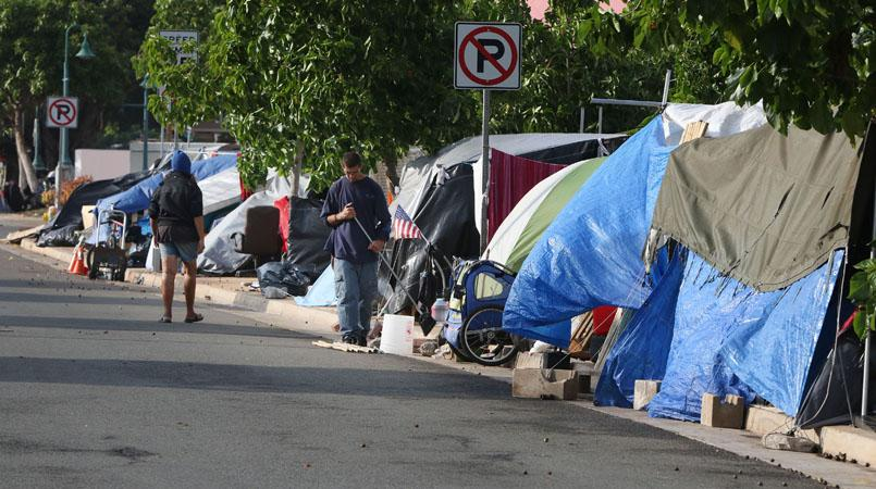 homeless camps in honolulu hawaii tents and tarps lining the streets lutheran indian ministries