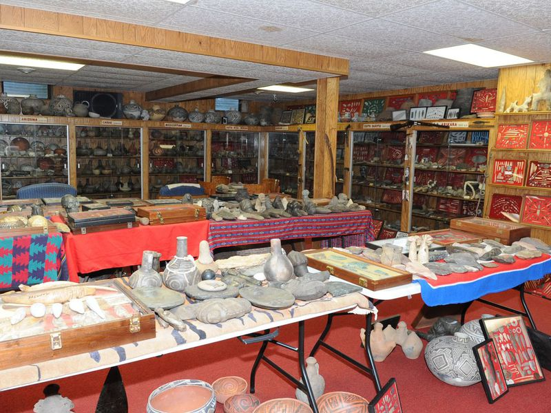 Artifacts on display at Don Miller's farm in 2014. For more than seven decades, Miller unearthed cultural artifacts from North America, South America, Asia, the Caribbean, and in Indo-Pacific regions such as Papua New Guinea. (FBI)