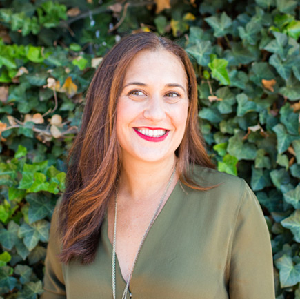 Rachel Caggiano   Trailblazing, award winning, battle tested comms pro with great gut instincts in search of the good life. Rare mix of fierce and calm, can be found enjoying a glass of wine & cooking up a storm.