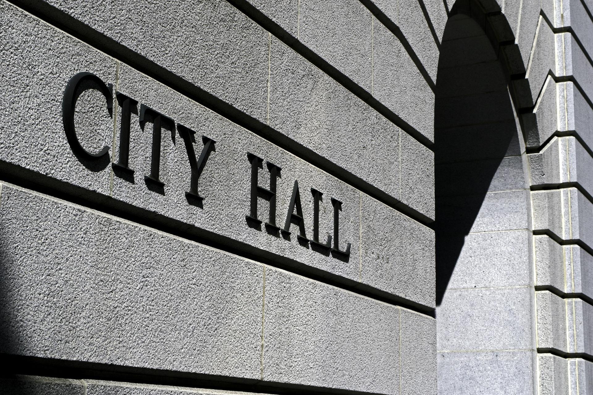 city-hall-719963_1920.jpg