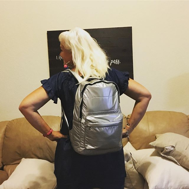I used to over pack. Maybe now I under pack? 🤷🏼‍♀️ Six days, six outfits, in one backpack. 💥 #frontierairlines ✈️ #countingupfrom50  #fiftyplus  #midlifewomen  #middleage  #instagramover50 #grandmothers #travel
