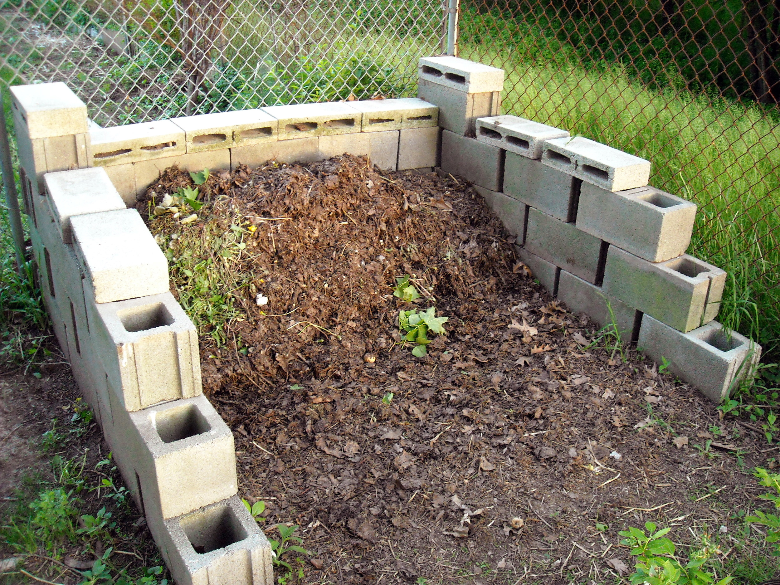 Spring Compost 2 by Scott Sherill-Mix/CC BY