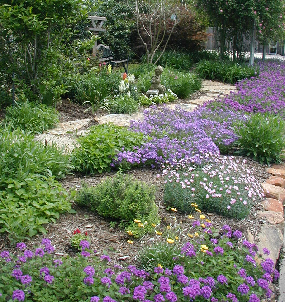 Landscaping by Living Expression Landscapes