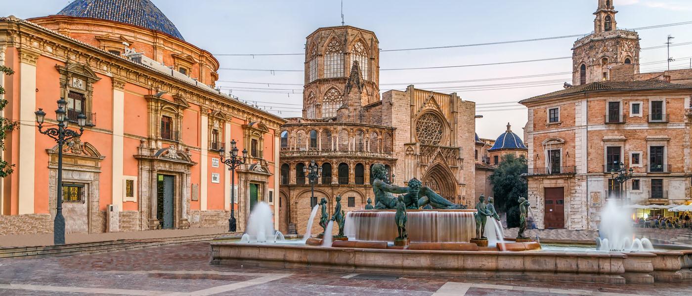 Valencia Square 1400x600.jpg