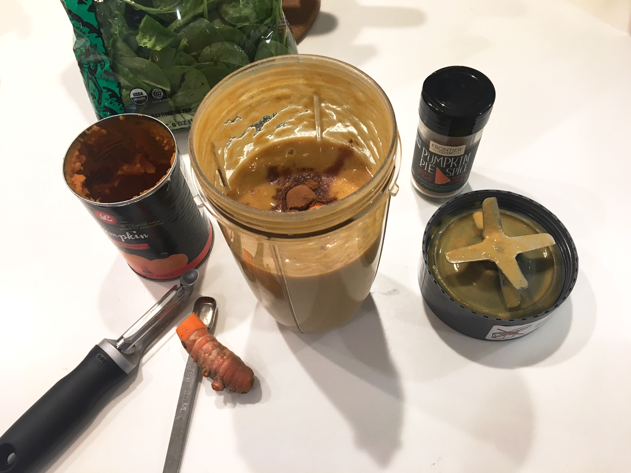 The makings of this anti-inflammatory pumpkin smoothie ~ check out the turmeric!