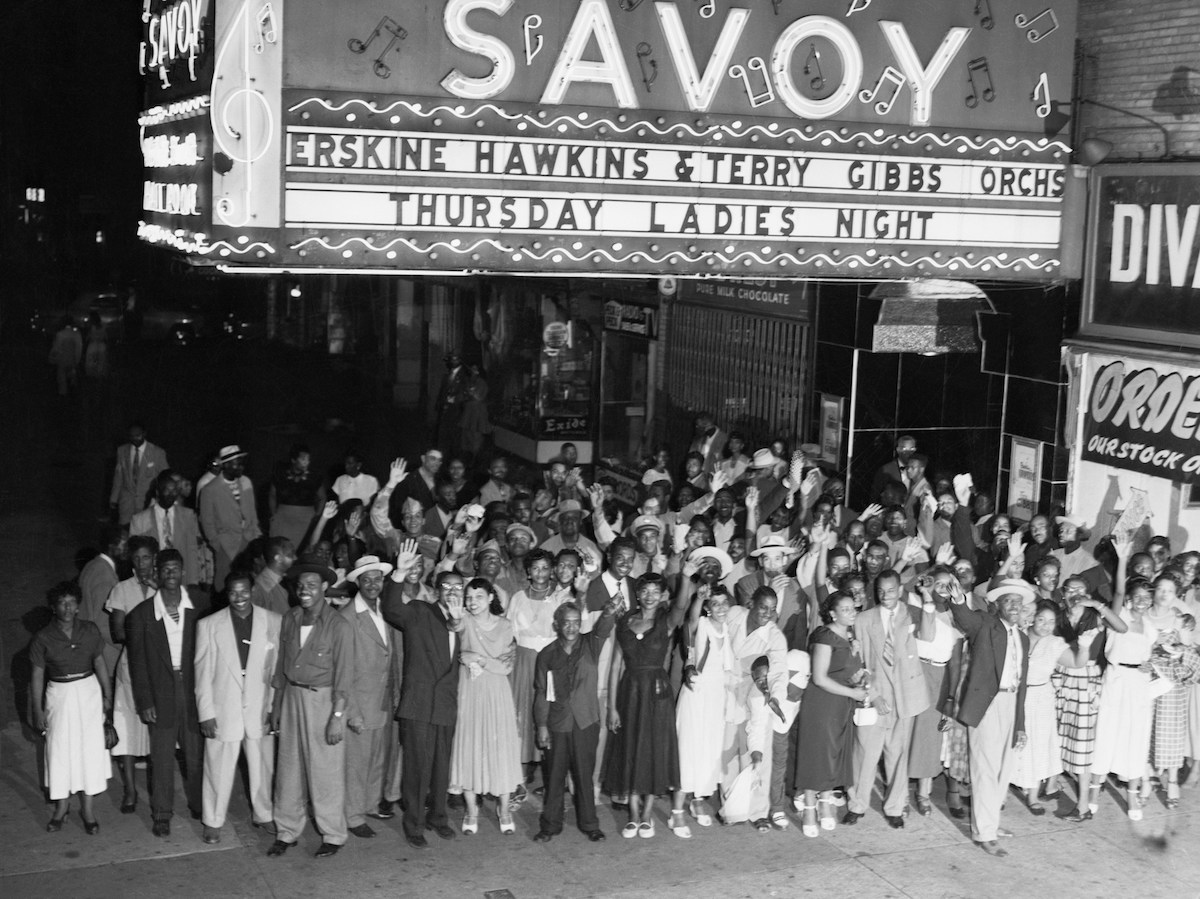 1952-Crowd-Outside-the-Savoy-in-Harlem-1952-Getty-Images-514880892-Bettmann edit.jpg